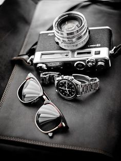 Mens Retro Fashion Accessories. Photo by hhdoan