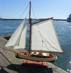 Old Fashioned Style Model Yacht