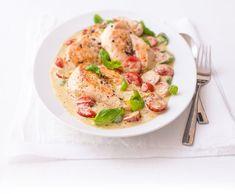 Kuře s pestem a se smetanou Pesto, Potato Salad, Potatoes, Ethnic Recipes, Food, Potato, Essen, Meals, Yemek