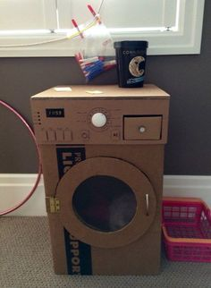 Make a cardboard washing machine for kids! - Make a cardboard washing machine for kids! Best Picture For seashell crafts For Your Taste You ar - Cardboard Crafts Kids, Cardboard Kitchen, Cardboard Toys, Cardboard Furniture, Cardboard Playhouse, Projects For Kids, Diy For Kids, Crafts For Kids, Craft Projects
