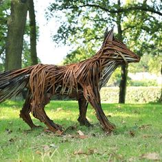 Listen wait watch.   #Skulk #foxes #ireland #watching #alone #skulk #nature #beauty #light #vixen #species #art #sculpture #dublin #dublincity #parent #protector #defend #warning #warn #care #wild #dog #fox #curious #5dmarkiv #lovedublin #huaweisnapys Wait And Watch, Dublin City, Vixen, Ireland, Lion Sculpture, Fox, Statue, Beauty, Beleza