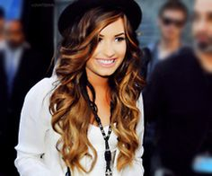 Hair envy. Demi Lovato