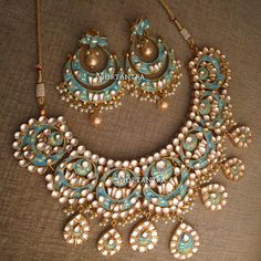 Latest Wedding Necklace Designs For Brides 2019 Stylish Jewelry, Jewelry Sets, Fashion Jewelry, Indian Wedding Jewelry, Bridal Jewelry, Jewelry Party, Indian Bridal, Moda Indiana, Swarovski