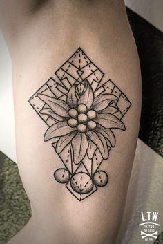 Dotwork tattoo !                                                                                                                                                                                 Plus