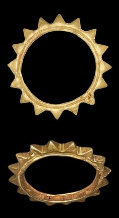 Africa | Lost wax casting of a solid gold bracelet, the form of which consists of a corolla of sixteen triangular points. | Asante people. Royal Palace, Kumase, Ghana. | 19th century (prior to 1874) || {6.3}