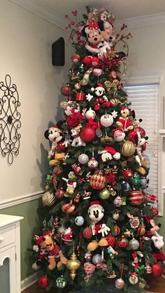 disney christmas tree Mickey and Minnie Christmas Tree Mickey Mouse Christmas Tree, Disney Christmas Decorations, Christmas Trees For Kids, Beautiful Christmas Trees, Christmas Tree Themes, Xmas Tree, Christmas Tree Ornaments, Christmas Holidays, Christmas Crafts