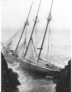 ... SHIPWRECK ... BOAT... LIFE-JACKETS SHORTAGE ... AMID ROCKS ... NO LIGHTHOUSE... DEAD SEAGULLS... D E A D ...