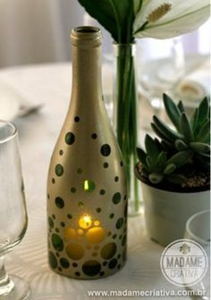 How to make bottle candles port - how to cut bottle with string - Tips and Walkthroughs Photo - DIY - Tutorial - How to make cut botte and l . Wine Bottle Candles, Wine Bottle Art, Painted Wine Bottles, Diy Bottle, Wine Bottle Crafts, Wine Glass, Cut Wine Bottles, Water Bottle, Decorated Bottles