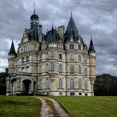 Beautiful Castles, Beautiful Buildings, Beautiful Places, Loire Valley, French Castles, Old Mansions, Castle House, French Chateau, Beautiful Architecture