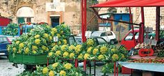 If in Italy a trip to the local market is a must, take a look at some of our favourites here and add them to your holiday To Do list
