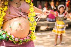 http://michellecastilho.com/aquecimento-para-o-carnaval-ensaio-rosa-gravida-e-familia-na-folia/