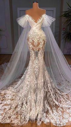 Wedding Dress Bustle, Fancy Wedding Dresses, Glam Dresses, Event Dresses, Bridal Dresses, Couture Wedding Dresses, Beautiful Wedding Dress, Wedding Dress Long Train, Mermaid Wedding Dresses
