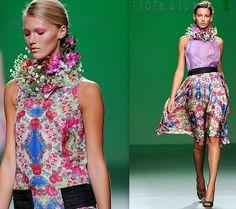 LA CARABA EN BICICLETA...: EL PICAFLOR... DE LAS PASARELAS High Neck Dress, Dresses, Fashion, Walkways, Bike, Turtleneck Dress, Vestidos, Moda, Fashion Styles