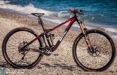 Francois Bailly-Maitre rides the BMC Trailfox TF01