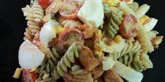 Receta de Ensalada de pasta con pollo y salsa rosa