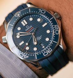 Omega Seamaster Professional Diver Watches For 2018 Hands-On Modern Watches, Elegant Watches, Luxury Watches For Men, Cool Watches, Men's Watches, Watches Online, Wrist Watches, Fashion Watches, Omega Seamaster Diver 300m