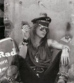 Google Image Result for http://spectacle.provocateuse.com/images/spectacles/axl_rose_03.jpg