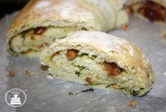 Tortano salato con olive e pomodorini secchi e tortano al pesto di rucola