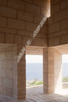 a raw paradise : architecture : Can Lis by Jørn Utzon : mallorca spain