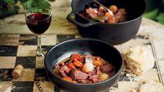 Hovězí maso se stejně jako zvěřina s vínem, především červeným, snoubí zcela dokonale. Fresh