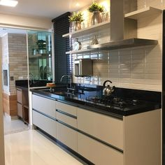 Browse photos of Small kitchen designs. Discover inspiration for your Small kitchen remodel or upgrade with ideas for organization, layout and decor. Kitchen Sets, Home Decor Kitchen, Kitchen Interior, Home Kitchens, Kitchen Design, Kitchen Modular, Indian Home Decor, Cuisines Design, Kitchen Remodel