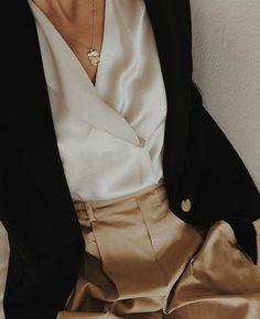 68 Trendy Ideas for moda chic ideas blouses Fashion Mode, Minimal Fashion, Look Fashion, Autumn Fashion, Fashion Trends, Minimal Style, Beige Outfit, Chic Outfits, Fashion Outfits