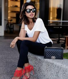 Let us check out some interesting cute skinny black jeans outfit that would help you acquire that stunning look. There are numerous outfits that can be Fashion Mode, Fashion Outfits, Fashion Trends, Fashion Heels, Style Fashion, Classy Fashion, Dress Fashion, Black Skinnies, Black Pants