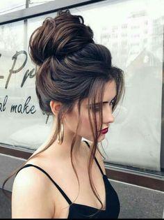 hair looks hairstyles \ hair looks . hair looks hairstyles . hair looks color . hair looks medium . hair looks 2020 . hair looks hairstyles medium lengths . hair looks for prom . hair looks curly Prom Hairstyles For Short Hair, Diy Hairstyles, Hairstyles 2018, Hairstyle Ideas, Hair Ideas, Holiday Hairstyles, Latest Hairstyles, Perfect Hairstyle, Buns For Long Hair