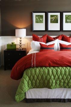 Relaxing bedroom wall decor