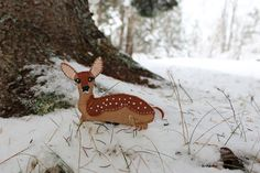 This pattern for a Felt Winter White Fawn would make a great DIY brooch to gift as a homemade stocking stuffer!