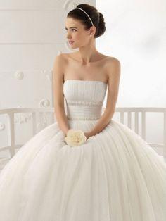 BallGown Strapless Tulle Tea-length Ivory Ruffles Wedding Dress at Millybridal.com