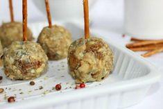 Un aperitivo original: mini pops de queso azul