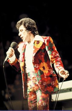 Frankie Valli Frankie Valli, Jersey Boys, Throwback Thursday, Four Seasons, Singer, Suits, Group, Music, Floral
