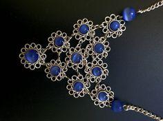 Ketten kurz - Kette aus versilbertem Draht mit Blumenmuster - ein Designerstück von RegulaKrapf bei DaWanda