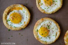 Cheesy Puff Pastry Baked Eggs   http://www.justataste.com/2015/05/cheesy-puff-pastry-baked-eggs-recipe/