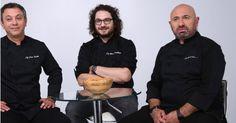 """Chefi la cuțite este cel mai apreciat show culinar din România. De mai mulți ani, concursul face audiențele cele mai mari și se… Citeste articolul complet AICI -> Iată cum s-a cunoscut juriul de la """"Chefi la cuțite""""! - YVE.ro."""