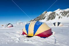 tentes à la station Antarctique