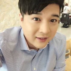 Super Junior's Shindong fails at attempting to purchase EXO concert tickets for his younger sister | http://www.allkpop.com/article/2015/01/super-juniors-shindong-fails-at-attempting-to-purchase-exo-concert-tickets-for-his-younger-sister