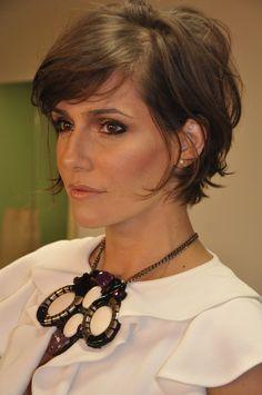 "Corte de cabelo da Helô na novela ""A Lei do Amor"" | Short ..."