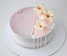 """milkeu: """"favorites from: """" Birthday Drip Cake, Cute Birthday Cakes, Birthday Cake Decorating, Bakery Recipes, Sweets Recipes, Fancy Desserts, Delicious Desserts, Elegante Desserts, Ultimate Chocolate Cake"""