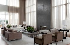 note middle section in polished metal- roberto migotto / apartamento 14, são paolo