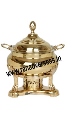 Brass Chafing Dish Brass Chafing Dishes manufactured, supplied and exported by us are used for dining purposes in leading restaurants, hotels, caterers, banquet halls, parties and functions and other eating outlets. Brass Chafing Dishes are also ideal gift items. An extensive range of our Brass Chafing Dishes includes superior quality Decorative Brass Chafing Dishes that are fabricated from supreme quality metals. Our entire range of these Brass Chafing