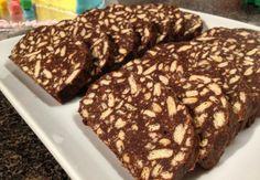"""Σοκολατένιος κορμός διαίτης με μπισκότα και καρύδια με γλυκαντικό """"onstevia"""""""