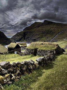 nordravn:  Saksun - Faroe Islands 2008 by Jón Sand Davidsen on Flickr.