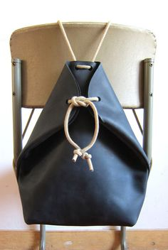 chris van veghel | handmade bags: Minimal Rucksack Charcoal Black