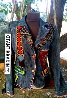 OOAK and handmade upcycle denim jacket. Denim Fashion, Diy Shorts, Denim Coat, Jacket Jeans, Denim And Lace, Fashion Project, Weekend Wear, Jeans Style, Timeless Fashion