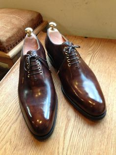 il Quadrifoglio One Piece Oxford with Iron Eyelet created by Atsushi Qnai il Quadrifoglio by Atsushi Qnai Slip On Shoes, Men's Shoes, Shoes Men, Best Dress Shoes, Ascot Shoes, Spectator Shoes, Gentlemen Wear, Gentleman Shoes, Socks And Sandals