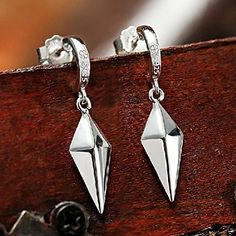Amazon.com: Cos-me Fairy Tail Erza Scarlet 925 Sterling Silver Ear Rings Cosplay Accessory: Toys & Games