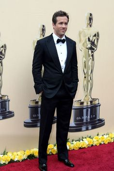 Ryan Reynolds in Tom Ford at Oscars 2010 - The Red Carpet Project - NYTimes.com