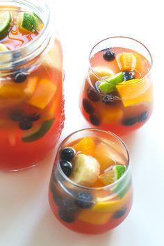 Non Alcoholic Sangria | http://simpleveganblog.com/non-alcoholic-sangria/